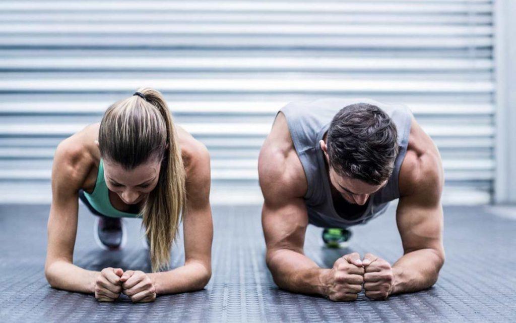 Hacer planchas fortalece tu core