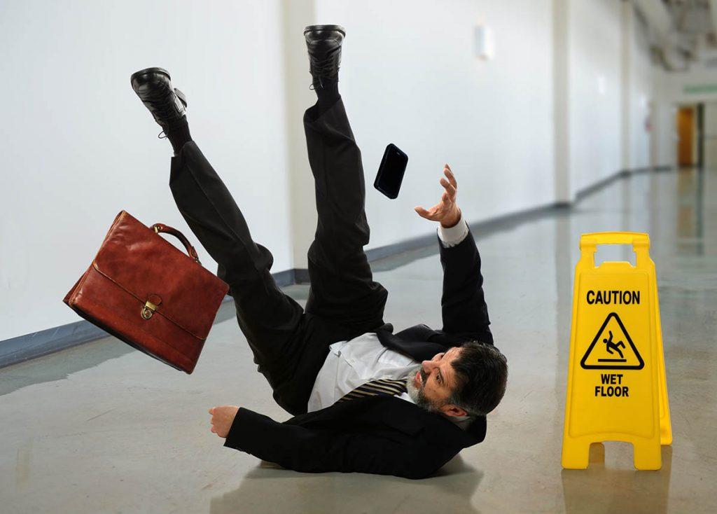 Caída en suelo resbaladizo